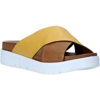 Čevlji  Ženske Natikači Bueno Shoes N3408 Rjav