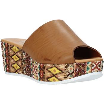 Čevlji  Ženske Natikači Grace Shoes 10 Rjav