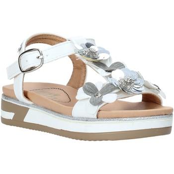Čevlji  Deklice Sandali & Odprti čevlji Miss Sixty S20-SMS781 Biely