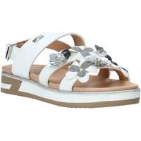 Čevlji  Deklice Sandali & Odprti čevlji Miss Sixty S20-SMS780 Biely