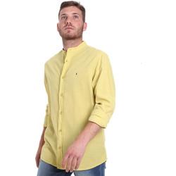 Oblačila Moški Srajce z dolgimi rokavi Les Copains 9U2722 Zelena