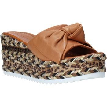 Čevlji  Ženske Natikači Bueno Shoes N3604 Rjav
