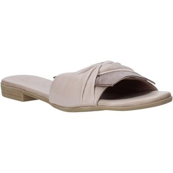 Čevlji  Ženske Natikači Bueno Shoes 9L2735 Bež