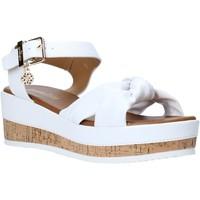 Čevlji  Ženske Sandali & Odprti čevlji Gold&gold A20 GJ272 Biely