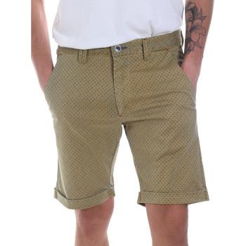 Oblačila Moški Kratke hlače & Bermuda Gaudi 811FU25018 Zelena