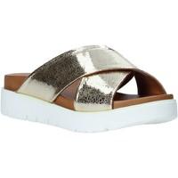 Čevlji  Ženske Natikači Bueno Shoes 9N3408 Zlato