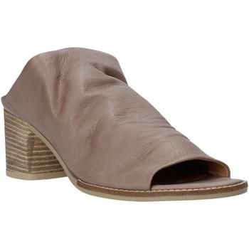 Čevlji  Ženske Natikači Bueno Shoes N6103 Siva