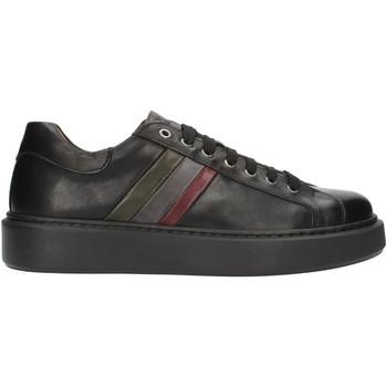 Čevlji  Moški Nizke superge Exton 888 Black