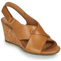 Čevlji  Ženske Sandali & Odprti čevlji Clarks MARGEE EVE Bež