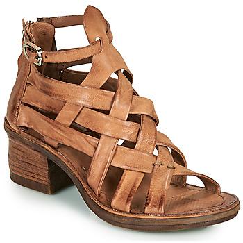 Čevlji  Ženske Sandali & Odprti čevlji Airstep / A.S.98 KENYA BRIDE Kamel