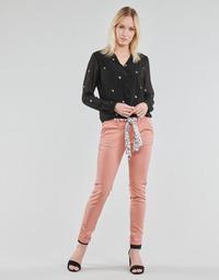 Oblačila Ženske Hlače Chino / Carrot Le Temps des Cerises LIDY Rožnata