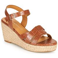 Čevlji  Ženske Sandali & Odprti čevlji The Divine Factory QL4351 Kamel