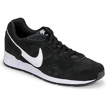 Čevlji  Moški Nizke superge Nike VENTURE RUNNER SUEDE Črna / Bela