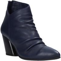 Čevlji  Ženske Gležnjarji Bueno Shoes 20WR1400 Modra