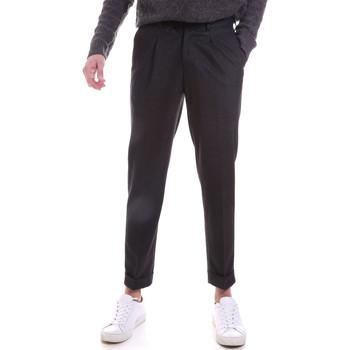 Oblačila Moški Hlače Chino / Carrot Sseinse PSI687SS Siva