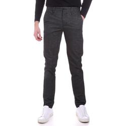 Oblačila Moški Hlače Chino / Carrot Sseinse PSI638SS Siva