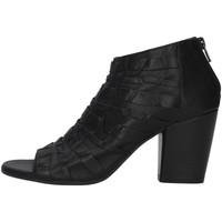 Čevlji  Ženske Gležnjarji Bueno Shoes 20WQ2900 BLACK