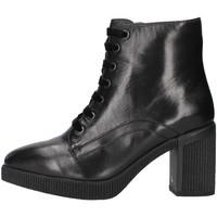 Čevlji  Ženske Gležnjarji Stonefly 212033 BLACK