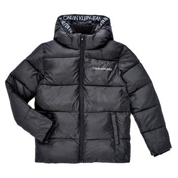 Oblačila Dečki Puhovke Calvin Klein Jeans LITHERA Črna