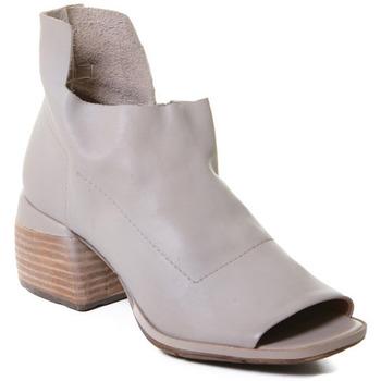 Čevlji  Ženske Sandali & Odprti čevlji Rebecca White T0402  Rebecca White  D??msk?? kotn??kov?? boty z telec?? k??e v barv?