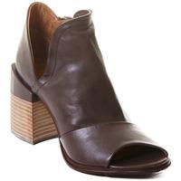 Čevlji  Ženske Gležnjarji Rebecca White T0504  Rebecca White  D??msk?? kotn??kov?? boty z telec?? k??e v k??vo
