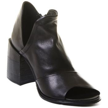 Čevlji  Ženske Gležnjarji Rebecca White T0504  Rebecca White  D??msk?? kotn??kov?? boty z ?ern?? telec?? k??e,