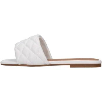 Čevlji  Ženske Natikači Steve Madden PORTERR WHITE