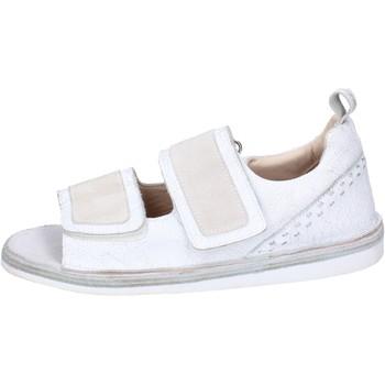 Čevlji  Moški Sandali & Odprti čevlji Moma BH256 Bela