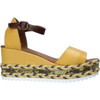 Čevlji  Ženske Sandali & Odprti čevlji Bueno Shoes 21WQ6000 Rumena