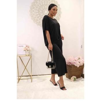 Oblačila Ženske Topi & Bluze Fashion brands 9159-BLACK Črna