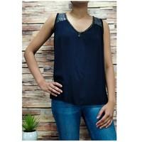 Oblačila Ženske Topi & Bluze Fashion brands 2940-BLACK Črna