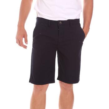 Oblačila Moški Kratke hlače & Bermuda Lumberjack CM80648 002EU Črna