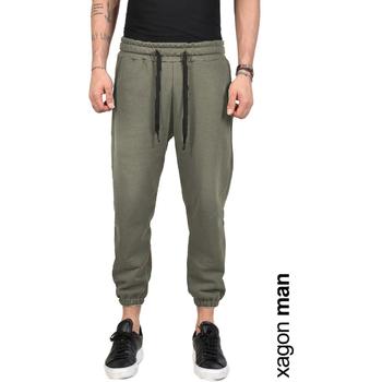 Oblačila Moški Hlače Xagon Man  Zelena