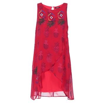 Oblačila Ženske Kratke obleke Desigual DORIJE Rdeča
