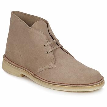 Čevlji  Moški Polškornji Clarks DESERT BOOT Peščena