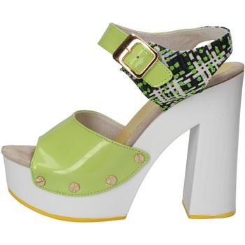Čevlji  Ženske Sandali & Odprti čevlji Suky Brand sandali verde vernice tessuto AC811 Verde