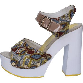 Čevlji  Ženske Sandali & Odprti čevlji Suky Brand sandali beige tessuto vernice AB308 Beige