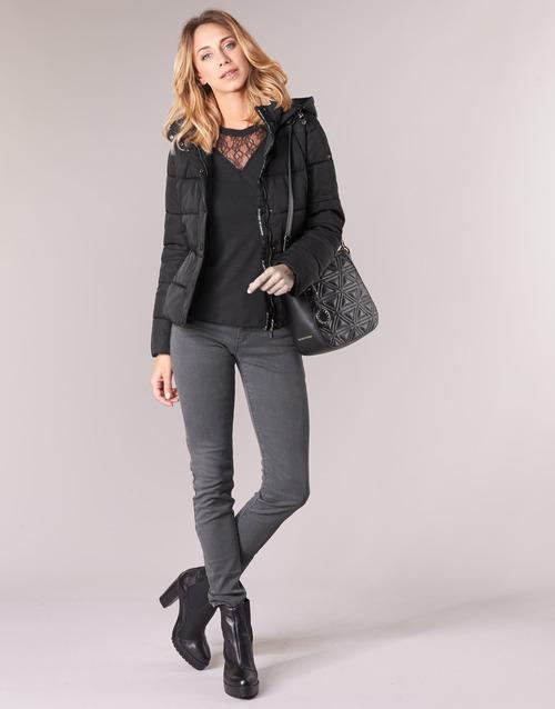 Oblačila Ženske Jeans skinny Emporio Armani YEARAW Črna