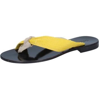 Čevlji  Ženske Sandali & Odprti čevlji Calpierre sandali beige camoscio giallo pelle BZ869 Beige