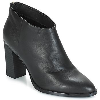 Čevlji  Ženske Gležnjarji André ADRIANA Črna