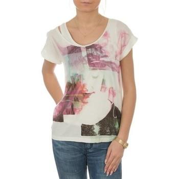 Oblačila Ženske Majice s kratkimi rokavi Lee T-shirt  Night Cloud Dancer L485AUHA white